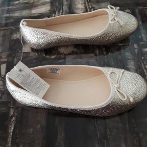 GAP Shoes - Gap kids girls size 4 youth gold flats